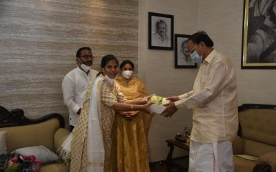 """The Vice-President launching the book """"Thavaasmi"""""""